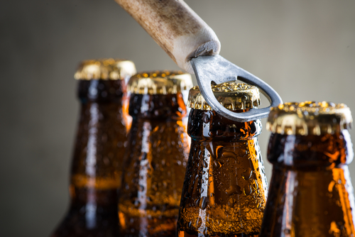 aprire birra bottiglie