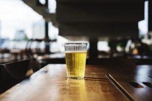 sommelier birra bicchiere